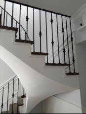 Лестница в частном доме в СПб