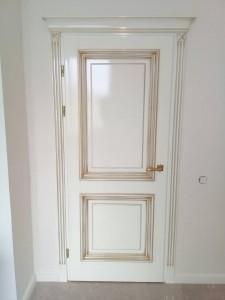 Межкомнатные двери с патиной
