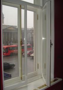 Окна ГИОП из массива сосны