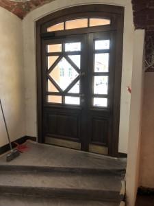 Двери входные дубовые