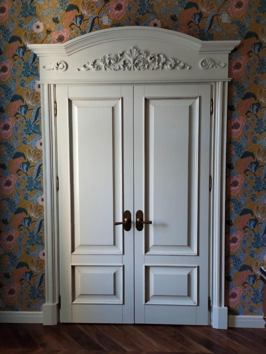 Двери классические