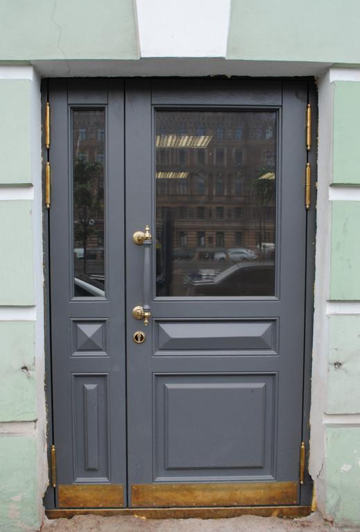 Двери ГИОП из массива дуба