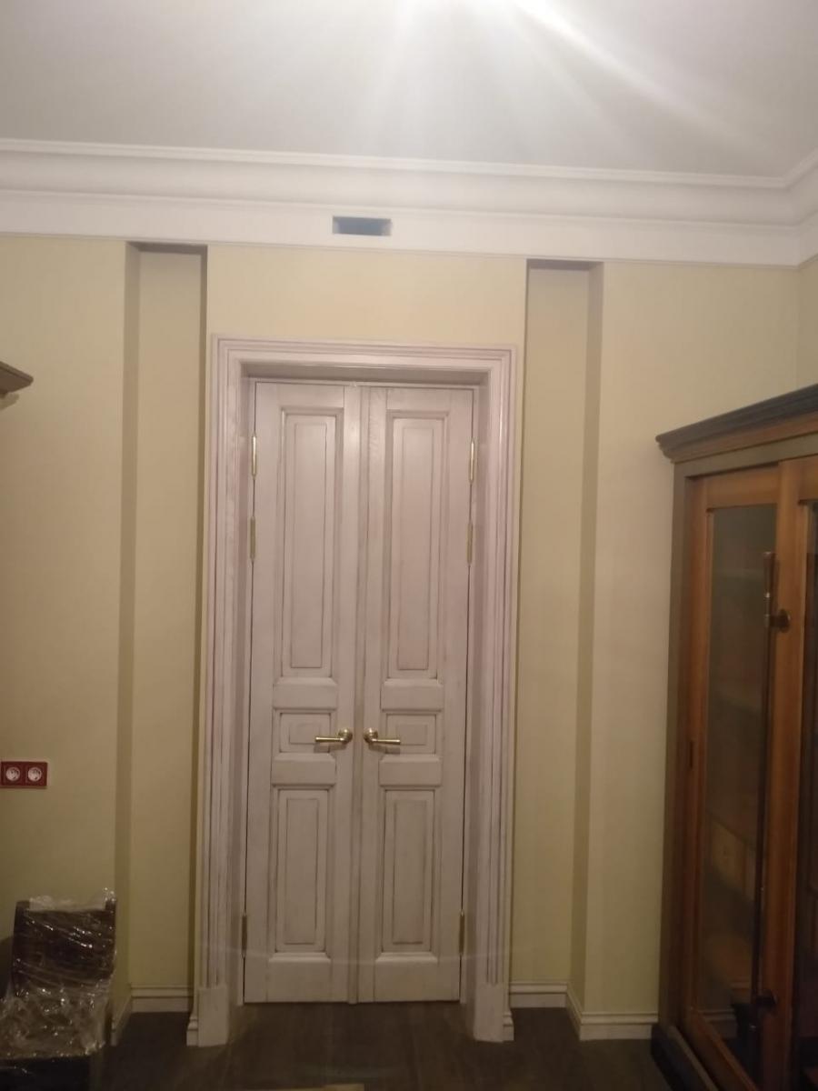 Эксклюзивная дверь из массива дуба