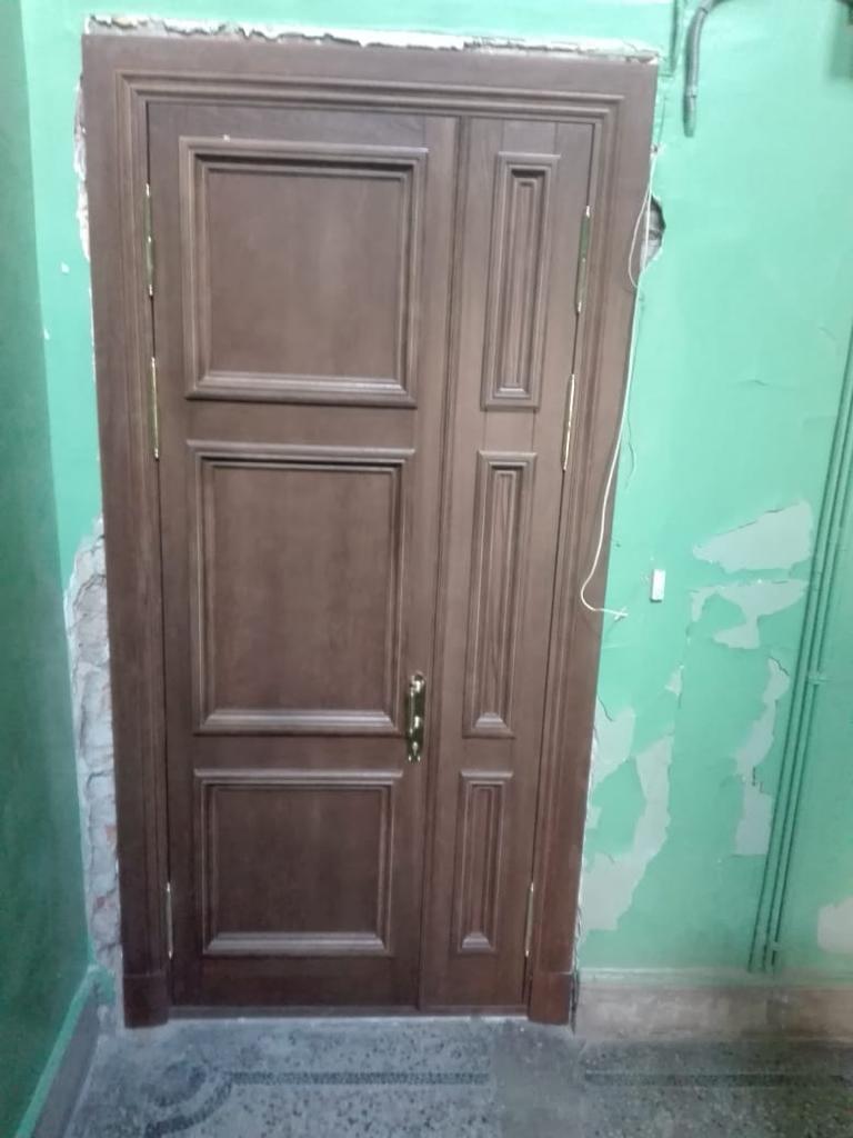Двери входные из дуба в квартиру