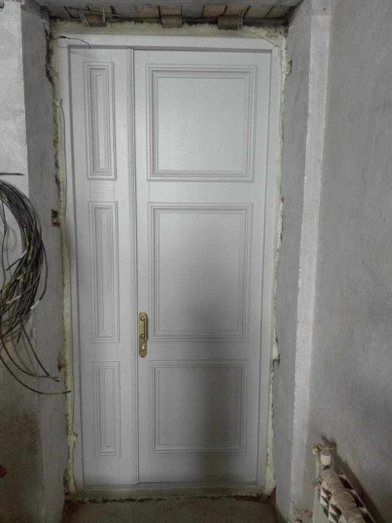 Двери дубовые в квартиру