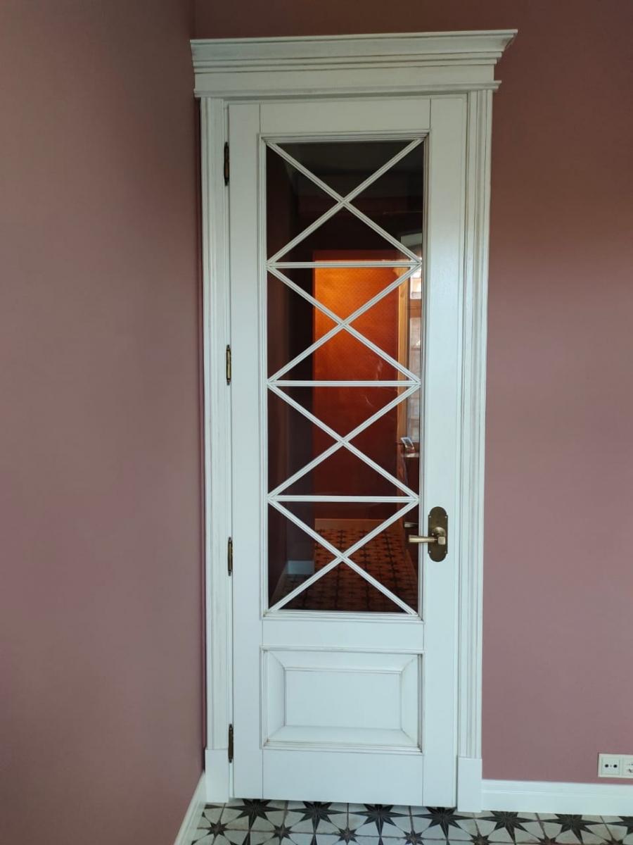Дверь массив дуба со стеклом