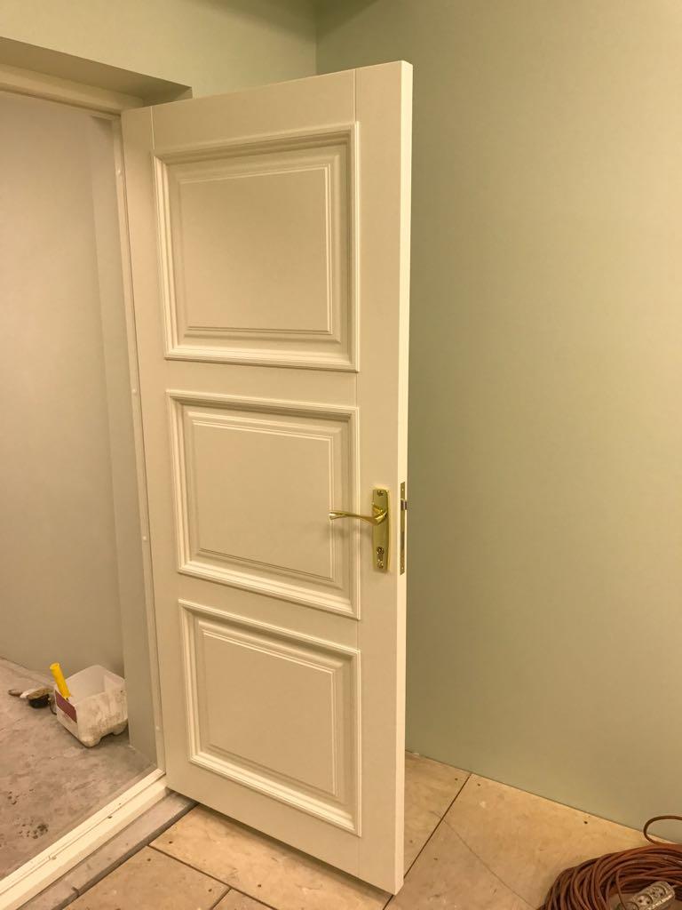 Двери сосновые