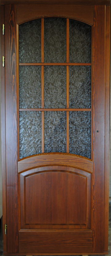 Двери со стеклом из массива сосны