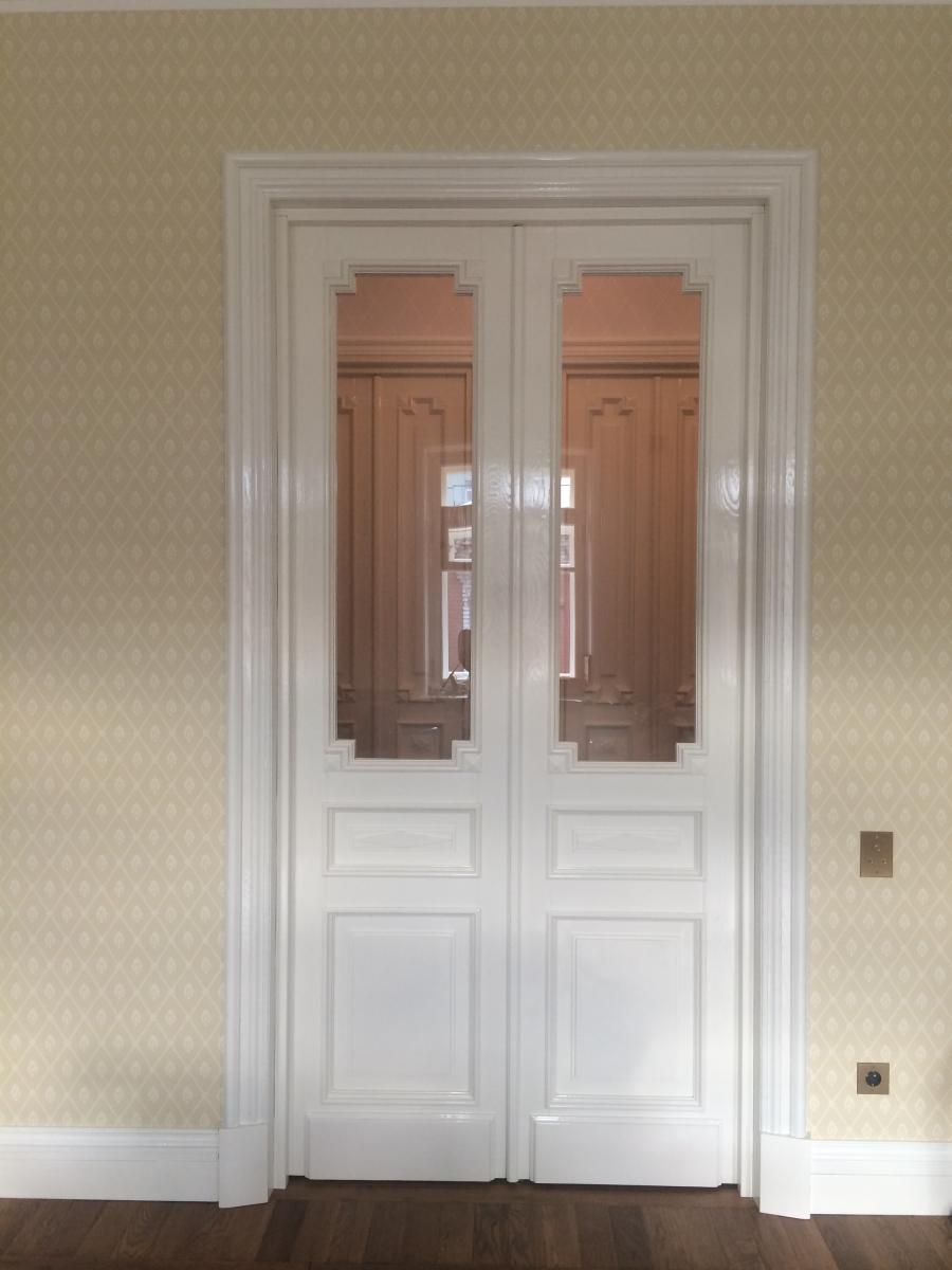 Двери двупольные со стеклом
