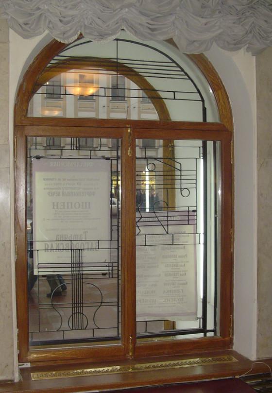 Окно в старый фонд