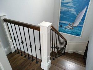 Лестницы с кованными балясинами