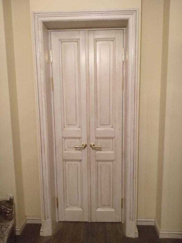 межкомнатная дверь в историческом стиле в СПб