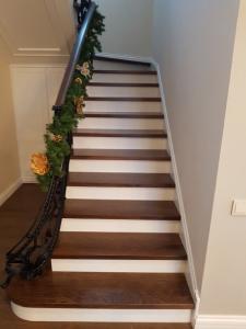 лестницы изготовлены из массива дуба